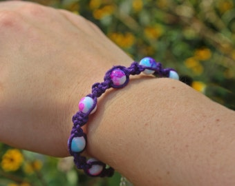 Purple hemp bracelet | Beaded hemp bracelet | Purple beaded bracelet | Water color beads | Girls hemp bracelet | Spiral hemp bracelet