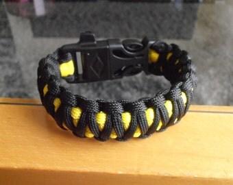 Survival bracelet King Cobra with Firestarter Whistle & Curved Mini Knife 3/4'' buckle