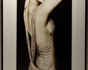 Table airbrush - female bust rhinestone dress