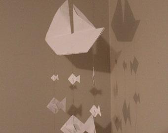 Mobile baby / boat mobile / mobile fish / origami mobile / mobile paper / white mobile / decorative suspension