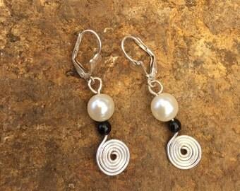Pearl & hammered spiral earrings