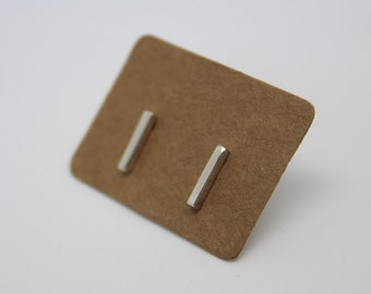 silver bar studs,stick studs, minimalist studs, short bar studs, dainty stick earrings, simple silver studs, everyday stud earrings