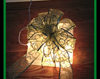 Elegant Green and Gold Scroll Lighted Gift Decor