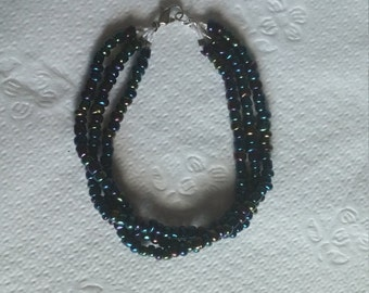 "7"" Metallic beaded bracelet"