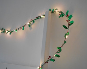 Holly Leaf Fairy Lights / String Lights - Christmas Decoration - LED Wire Garland - Battery Indoor Bedroom