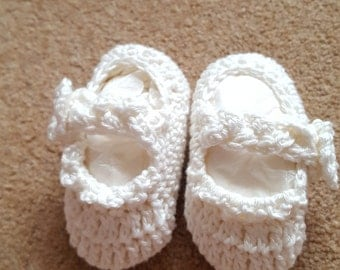Cream cotton Dolly Shoes age 0-3months