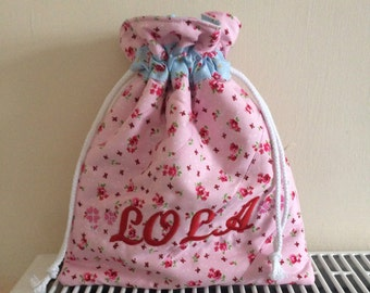 Little girls personalised quilted drawstring bag