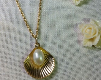 """Gold Filled Necklace 20mm with Gold Filled  Clam Shell Charm and REAL white Pearl high quality, 18"""" - Gold Filled Rope Chain"""