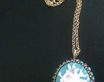 antique flower pendant necklace