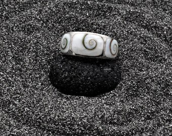 Wide Band Shivas Eye Shell Ring, Sterling Silver Natural Operculum Seashell Ring, Men/Women White Statement Ring, Natural Seashell Jewelry