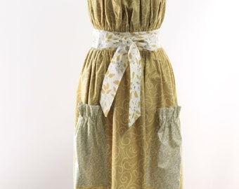 Very Long Traditional Apron in Gold