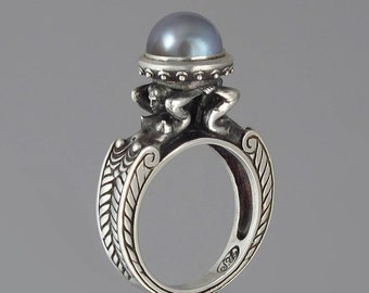 CARYATID silver ring with Gray Pearl