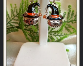 Cute Halloween Smiling Silver Kitty Cat Pierced Earrings with Witch's Hat