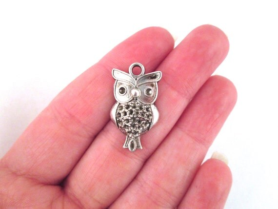 Silver Owl Charm  (pick the amount you want to purchase) D246