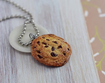 Jumbo Chocolate Chips Cookie Necklace