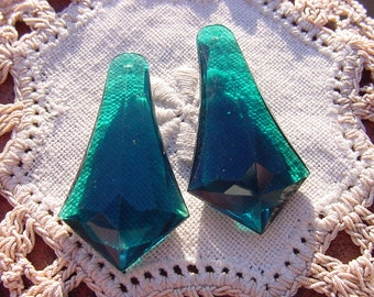 Emerald Teal Tapered Prism Drops Vintage Lucite Pendants