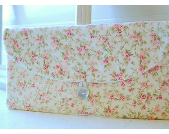 pink roses clutch purse Spring Wedding Bridal Clutch, Bridal Purse, Pink Bridesmaid Gift, Bridesmaid Clutch, Floral Clutch Wedding Accessory