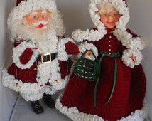Mr and Mrs Santa Claus Dolls with Burgundy Crocheted Outfits - Mrs and Mrs Claus Christmas Decorations with Crocheted Clothing - Santa Dolls