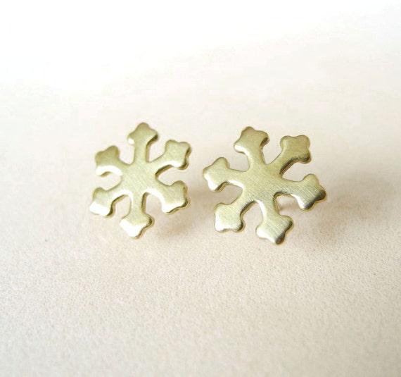 Snowflake Stud Earrings,Gold Brass Snowflake Earrings,Winter Wonderland,Snow Holiday Jewelry,Hypoallergenic Sterling Silver Studs (E244)