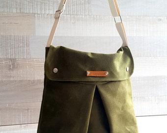 Waxed Canvas Messenger Bag, Modular Messenger Bag in Army Green Waxed Canvas, Laptop Bag, Diaper Bag, Travel Bag, flap, long strap waxed bag