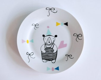 Bear with a party hat breakfast plate