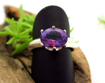 Amethyst Ring in Sterling Silver, Medium Purple Gemstone - Free Gift Wrapping