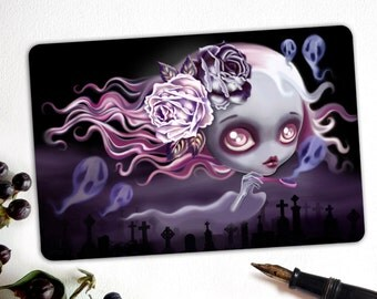 Ghostly Luna, Limited Edition Halloween Postcard Postcrossing