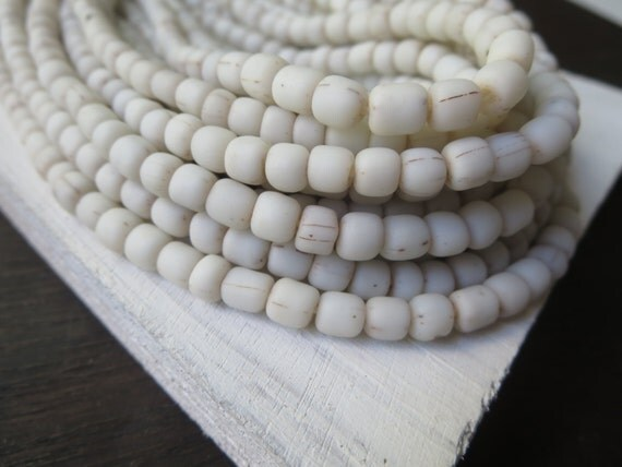 small matte white seed beads  rustic opaque white glass beads barrel tube spacer , New Indo-pacific 3 to 6mm / 22 inches strand - 6a14-1