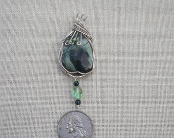 Gorgeous Sterling Silver Green Pendant