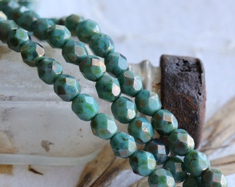 EARTHY TURQUOISE PEBBLES .. 25 Premium Picasso Czech Glass Beads 6mm (4811-st)