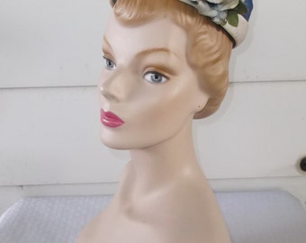 1960s Vintage Blue and White Pillbox Hat with Blue Roses