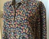 1980s Eddie Bauer Blue Country Floral Cotton Corduroy Shirt Jacket Outerwear Size Xlarge