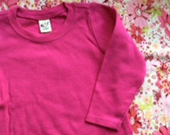 Plain/blank long sleeved cotton t-shirt from Kavio in fuschia