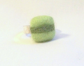 Adjustable Ring with Needle Felted Wool Square in Green Tones - Costume Jewlery - Needlefelt Ring -