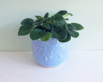McCoy Butterfly Jardiniere Flower Pot in Cornflower Blue, Early 1940s Planter, Pottery Cachepot, Embossed, NM Mark
