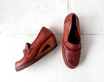 Vintage 70s Wedges / Platform Loafers / Wood Wedge / 70s Shoes / Size 7