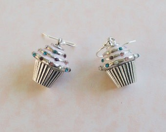 CUPCAKE Charm Drop Dangle Earrings