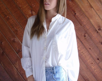 Luxe White Cotton Button Down Shirt with Chest Pocket - Vintage 90s - MEDIUM M
