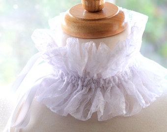 White Lace Choker - Victorian Style Fashion Collar with Satin Ties - Neck Piece