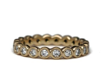 Diamond endless bezel ring | 18k gold