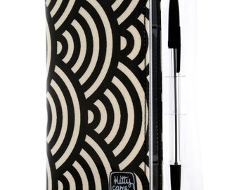 2017 Diary - black and cream large scallop design