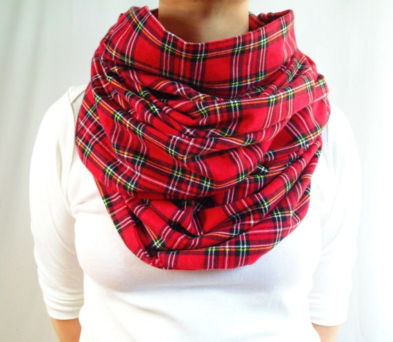 Plaid scarves are not just for wearing in the wintertime. The right scarf can set off your sundress in the summer, a plain tee-shirt in the spring or a knit sweater in the fall. And, of course, the right scarf is essential for accessorizing your winter coat and keeping your neck snuggly warm.