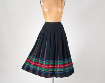 Vintage Pendleton Black Wool Plaid Pleated Skirt: 1970s Authentic Traditional Tartan Plaid Preppy Large XL Plus