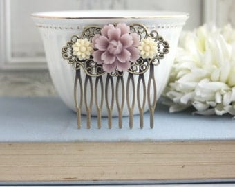 Chrysanthemum Comb Rose, Dusty Light Lavender Daisy Flower Hair Comb Clip Bridesmaid Clip Bridal Vintage Rustic Lilac Wedding Purple Wedding