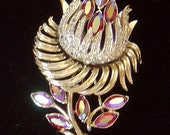Vintage Pegasus CORO thistle/flower Brooch pin