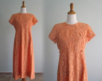 Vintage 1960s Dress - Pretty Peach Lace Formal Dress with Satin Bows - 60s Bridesmaid's Dress L XL