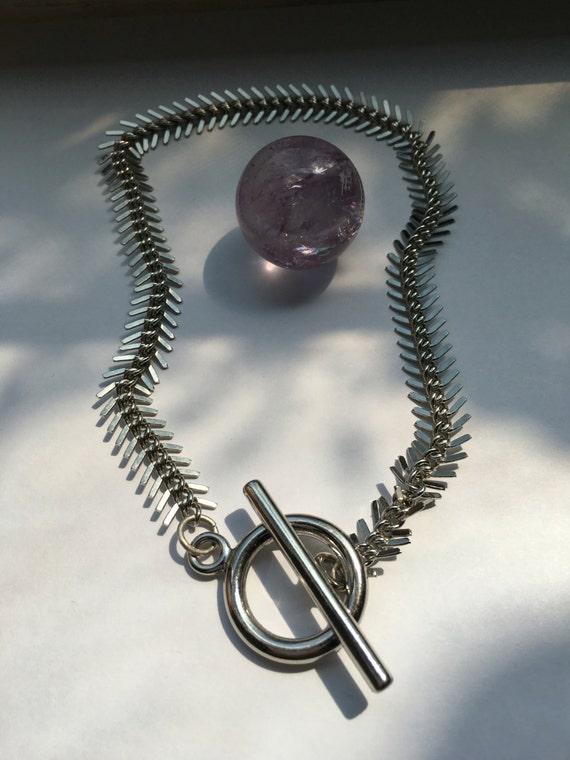 Silver fishtail chain choker