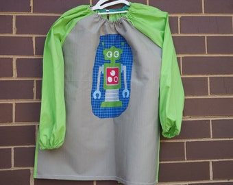 Age 9 to 12 kids craft apron, children's school art smock, long sleeve waterproof front. Robot.