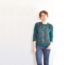 hunter green floral sweater . preppy cable knit pullover .small
