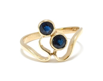 Twin Sapphire Art Nouveau 9K Gold Sister's Ring - Size 6 1/4